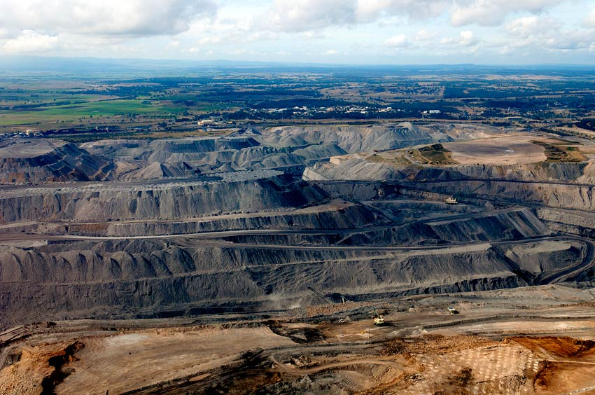 Farmers join fight against Adani coalmine over environmental concerns